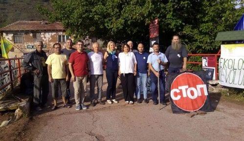 Delegacija pokreta Dveri obišla meštane Stare planine na dežurstvima protiv MHE 13