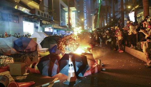 Najnasilniji protesti do sada potresli Hongkong 2