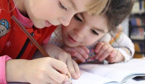 Psihološkinja: Teret obrazovanja je delom prebačen na roditelje 1