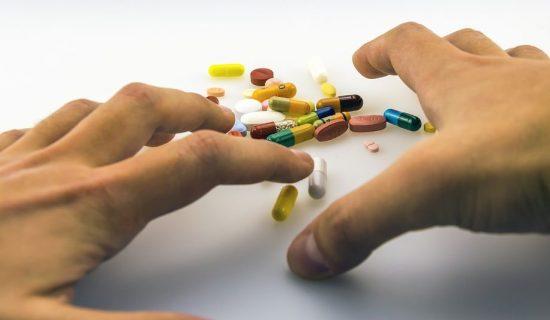 Sklopljen ugovor o svetskom pristupu antikovid piluli kompanije Merk 40