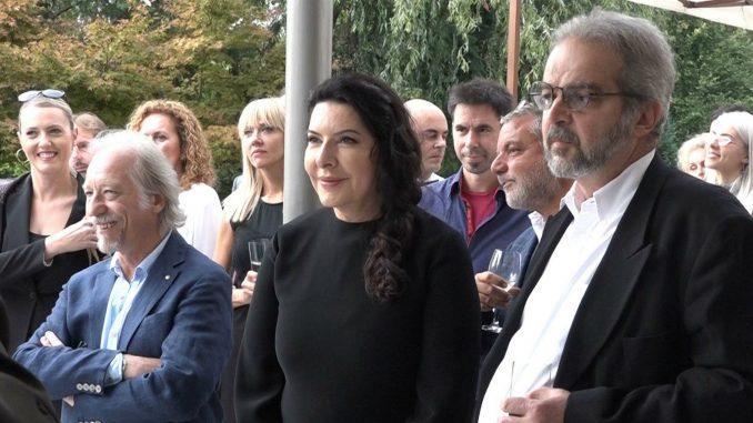 Predstavljena knjiga Susret pishonalitičarke i Marine Abramović 1