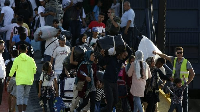 Hiljade migranata pokušava da pređe grčku granicu 1
