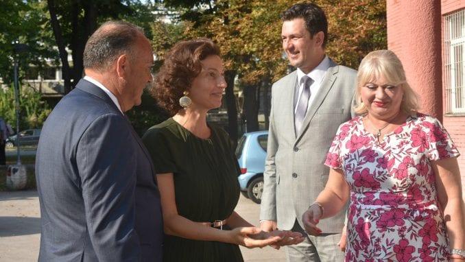 Šarčević i generalna direktorka Uneska posetili Devetu gimnaziju 1