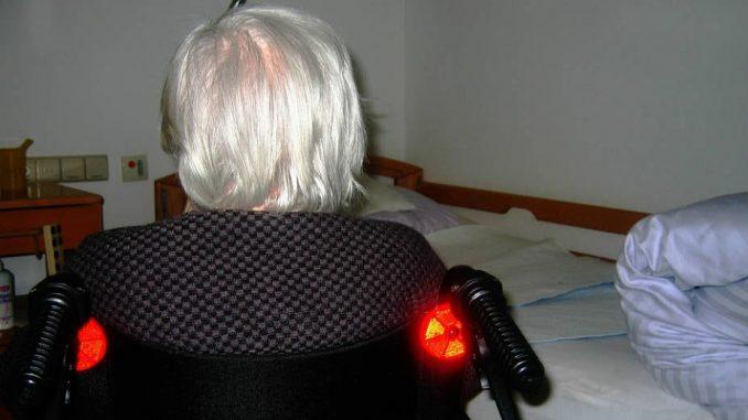 Narastajuće potrebe za negovateljima, stručnjaci ipak savetuju oprez 4