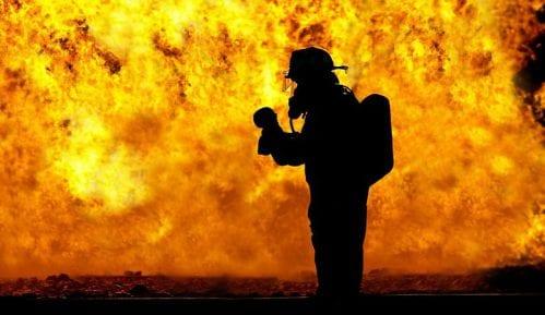 Požar blizu grčkog letovališta Nea Makri (FOTO) 1