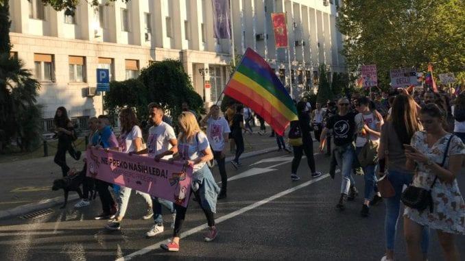 Učesnici Povorke ponosa u Podgorici poručili: Ne preko naših leđa 1