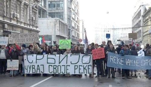 Neće se razići dok ne dobiju odgovor Vučića 7