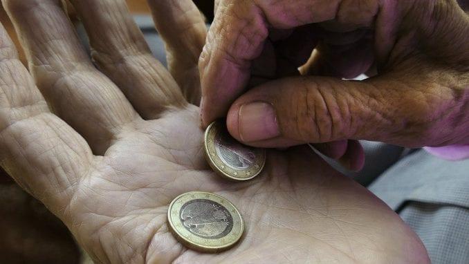 Domaćinstva bez dece u Srbiji u proseku imaju najveći rizik od siromaštva u Evropi 1