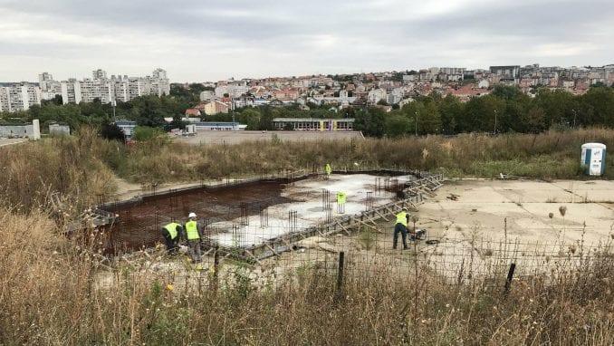 Naselje Stepa Stepanović:  Stanari godinu dana sprečavaju radove, Crkva opet priprema gradnju 3