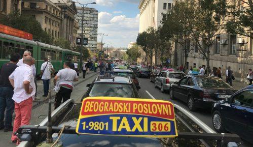 Đurić (SMS): Čime su taksisti zadužili državu da im obeća subvencije? 10
