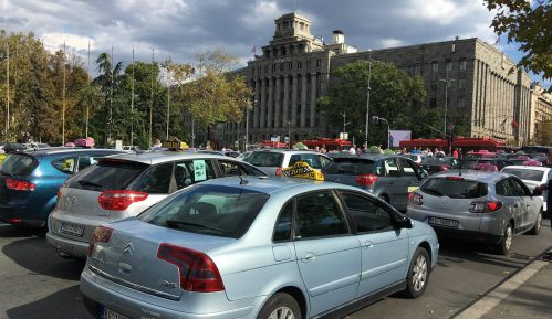 Macura: Država zaštitila taksi kartel 15