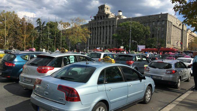Macura: Država zaštitila taksi kartel 1