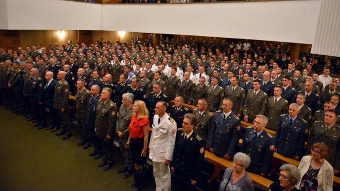Uručene diplome kadetima i studentima Vojne akademije 3