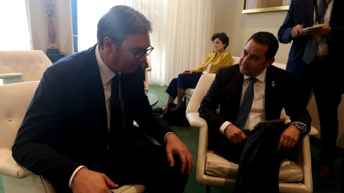 Vučić pozvao predsednika Gvatemale da poseti Srbiju 2