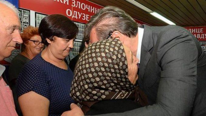 Vučić posetio prostorije Udruženja porodica kidnapovanih i nestalih sa Kosova 1