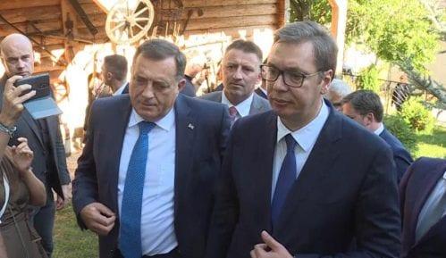 Dodik sutra sa Vučićem i patrijarhom na paljenju Badnjaka u Beogradu 11