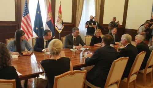 Vučić: Srbija ne može da prizna nezavisnost Kosova bez kompromisnog rešenja 3