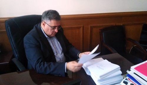 Vukadinović: Zašto javnost Srbije o avioliniji Beograd-Priština saznaje iz Trampovog tvita 9