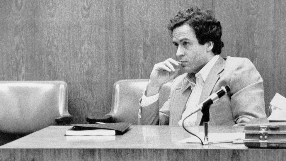 Ted Bandi posmatra porotu na suđenju u Orlandu