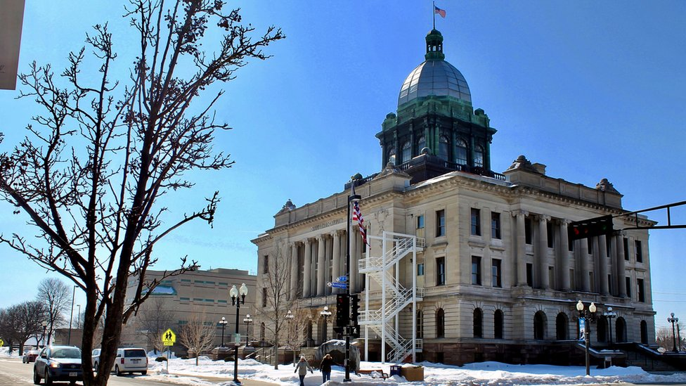 Wideshot of the county courthouse
