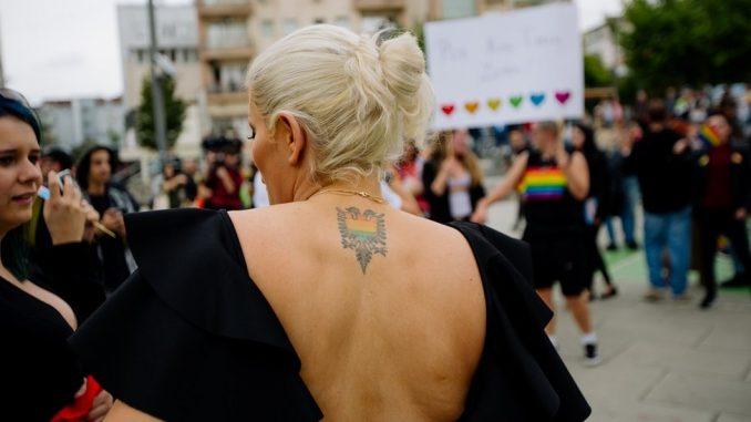 """Parada ponosa u Prištini: """"Za koga ti srce kuca"""" 4"""