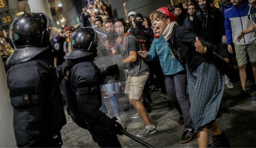 Šef katalonske vlade: Odmah prekinuti nasilje na ulicama Barselone 8