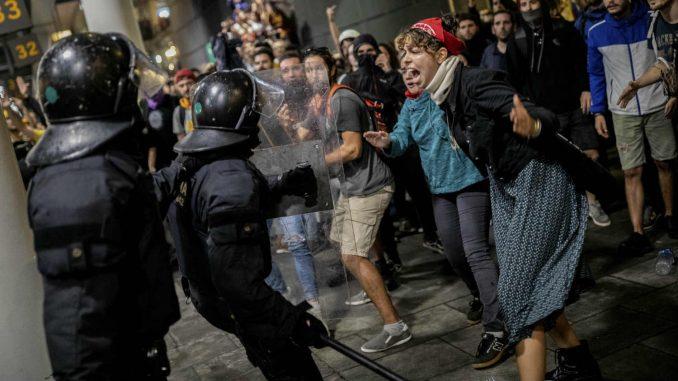Šef katalonske vlade: Odmah prekinuti nasilje na ulicama Barselone 3