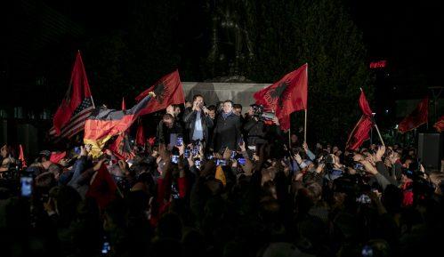 Samoopredeljenje na 'Maršu za jedinstvo' u Tirani, kritika iz Beograda 11