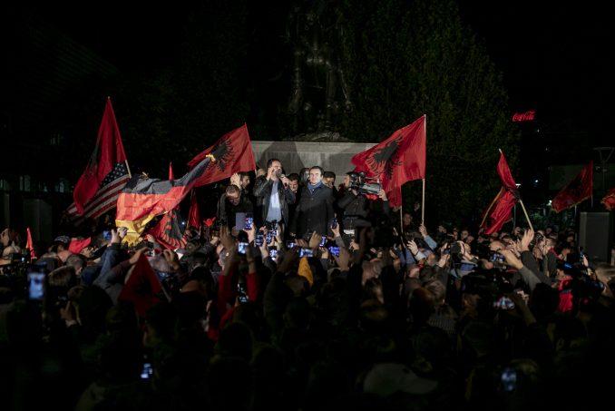 Samoopredeljenje na 'Maršu za jedinstvo' u Tirani, kritika iz Beograda 1