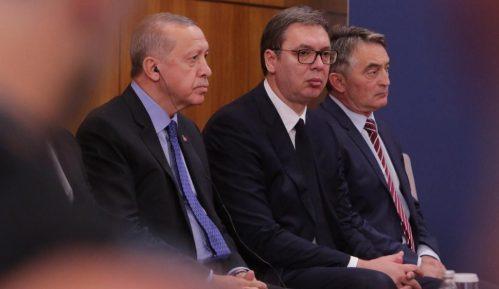 """Vučić: Od 1945. """"nevidljiva ruka"""" sprečavala izgradnju dobrih veza u regionu 14"""