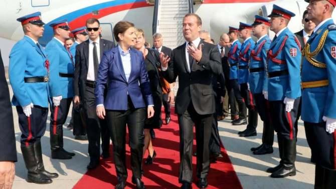 Vučić na svečanoj akademiji: Srbija neće dati svoju slobodu 10