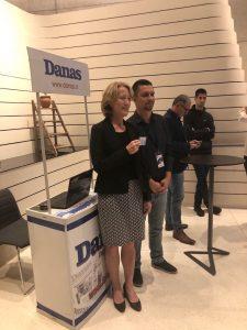 Manje od trećine građana Srbije se informiše u dnevnoj štampi 2