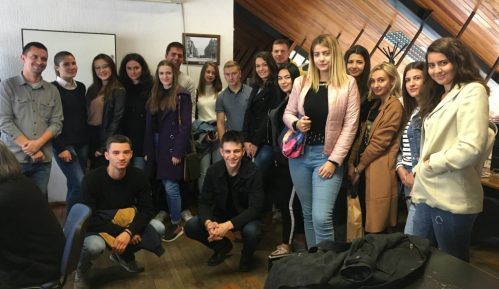 Studenti FPN posetili redakciju Danasa 7
