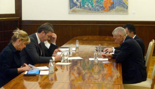 Vučić ambasadoru Rusije preneo zabrinutost za situaciju na Kosovu 9