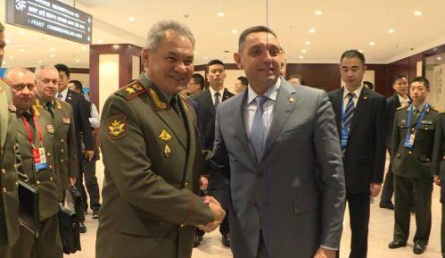 Vulin sa Šojguom: Srbija neće biti deo nekog vojnog saveza, veći da uče od Srbije 11