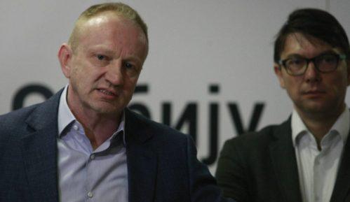 Đilas i Jovanović zahtevaju od Vlade Srbije: Omogućite starima jednu šetnju dnevno 12