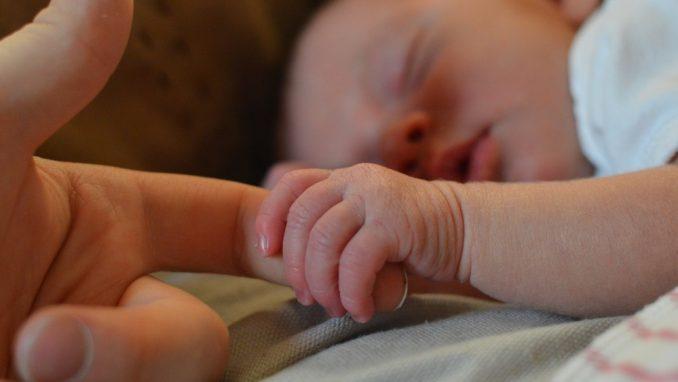 Bebac: Porodiljama i trudnicama se ponovo umanjuje plata 3
