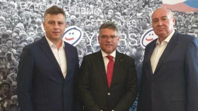 Gradonacelnik Pirota i direktor Regionalne deponije na prijemu u Ambasadi Češke 4