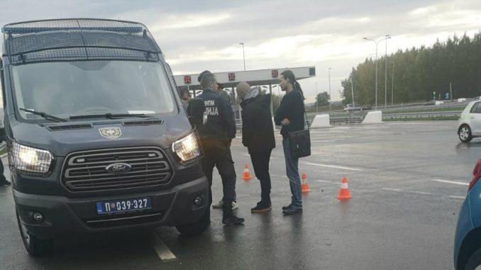 DSS: Policija pustila omladince DSS zbog plakata protiv Edija Rame 1
