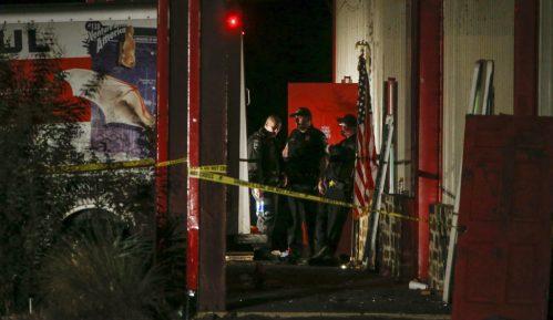 U pucnjavi u Teksasu ubijeno dvoje, ranjeno 14 osoba 12