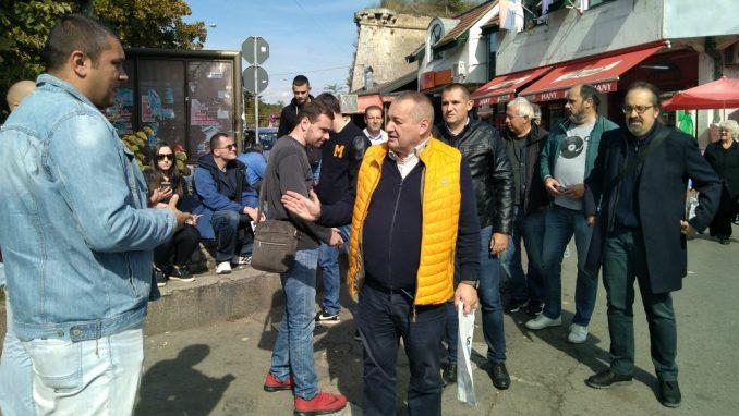 Niška kampanja bojkota izbora počela na pijaci i u seoskim autobusima 1