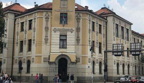 Počelo saslušanje osumnjičenih za napad na studenta zbog antifašističke majice u Nišu 5