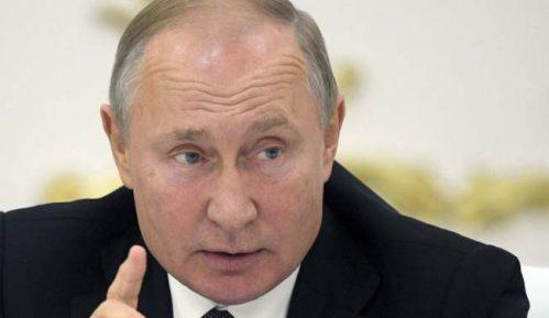 Putin odložio vojnu paradu 9. maja zbog epidemije korona virusom 6
