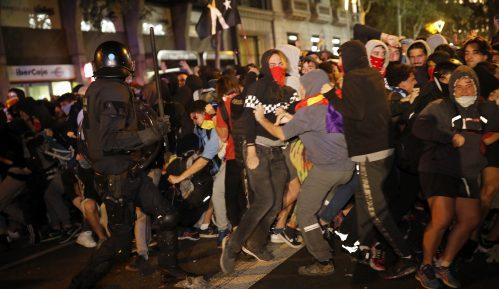 Sukob policije i demonstranata u Barseloni 11