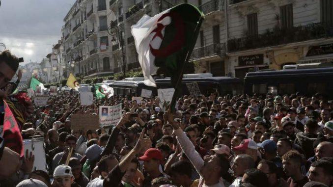U Alžiru 23 kandidata za predsedničke izbore u decembru 1