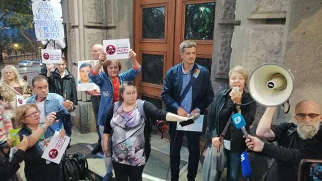 Protest Novinari protiv fantoma: Srbija mora da oslobodi medije (VIDEO, FOTO) 1