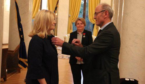 Francuski ambasador odlikovao Zagorku Dolovac i Gordanu Janićijević 2