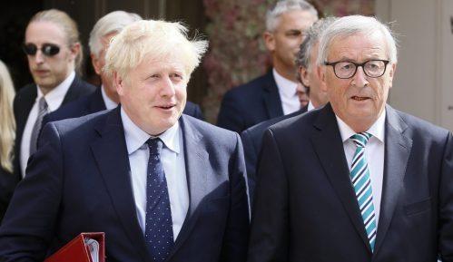 Junker: Komplikovana situacija ako Britanci odbace sporazum 9