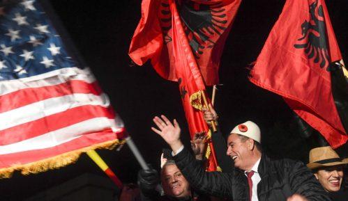 Samoopredeljenje: Vučić ne može da govori o simbolima Albanaca 2