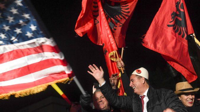 Samoopredeljenje: Vučić ne može da govori o simbolima Albanaca 1